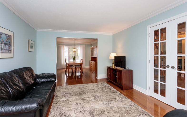 Photo 8 for 1058 Deauville Cres
