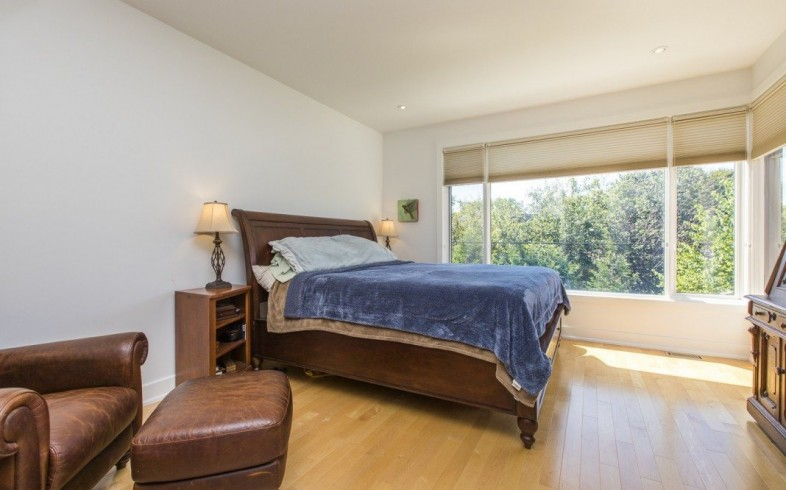 Photo 18 for Sought after Westboro