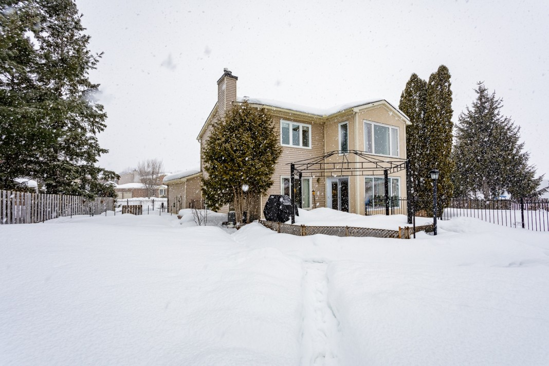 Photo 2 for 1058 Deauville Cres