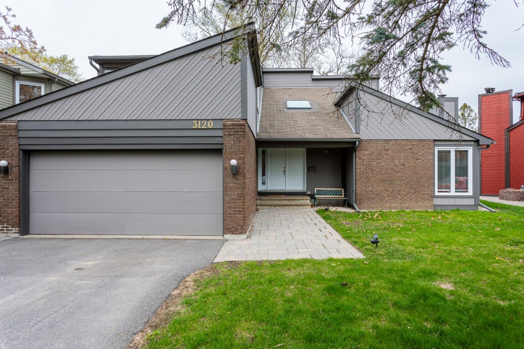 Photo 2 for 3120  Quesnel Drive