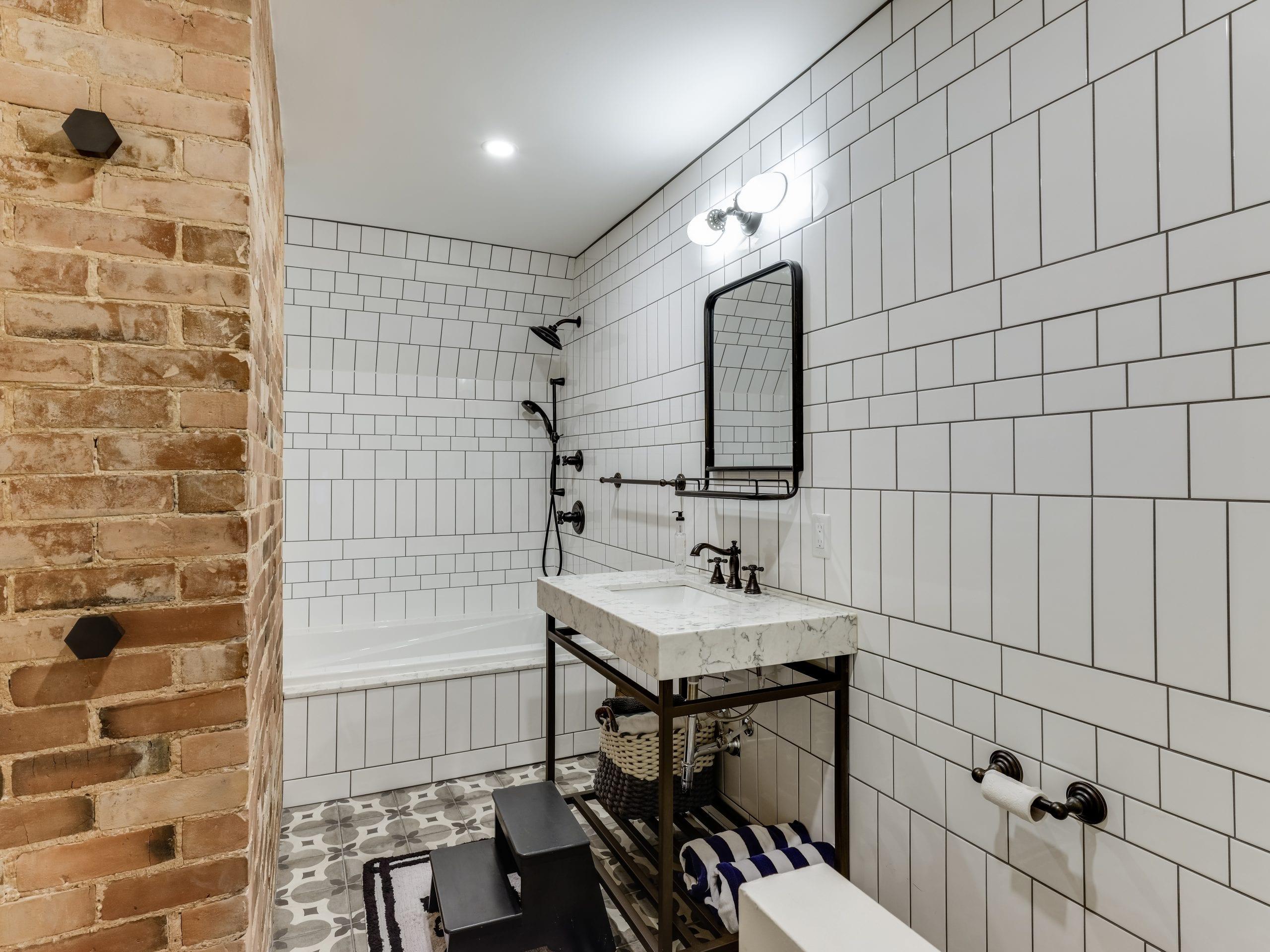 +Paris styled bathroom
